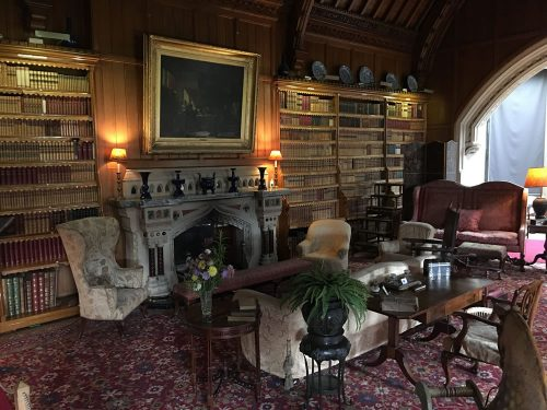 Tynetesfield Library